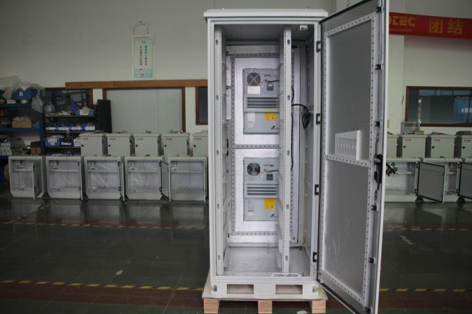 White Outdoor Telecom Cabinet , Metal Electronic Enclosures With Air Conditioner